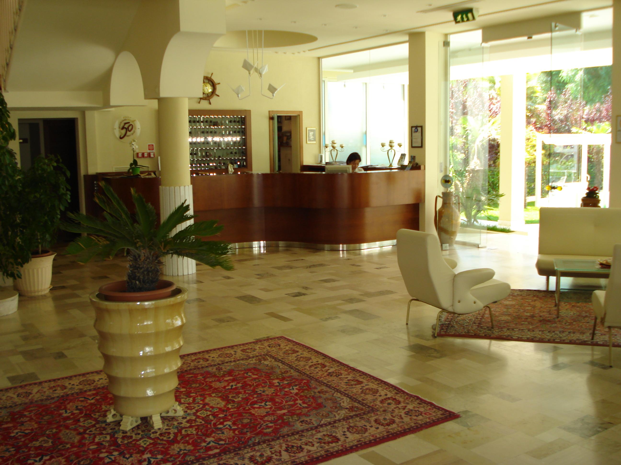 Arredamento hote hotel beaurivage for Arredamento hotel usato