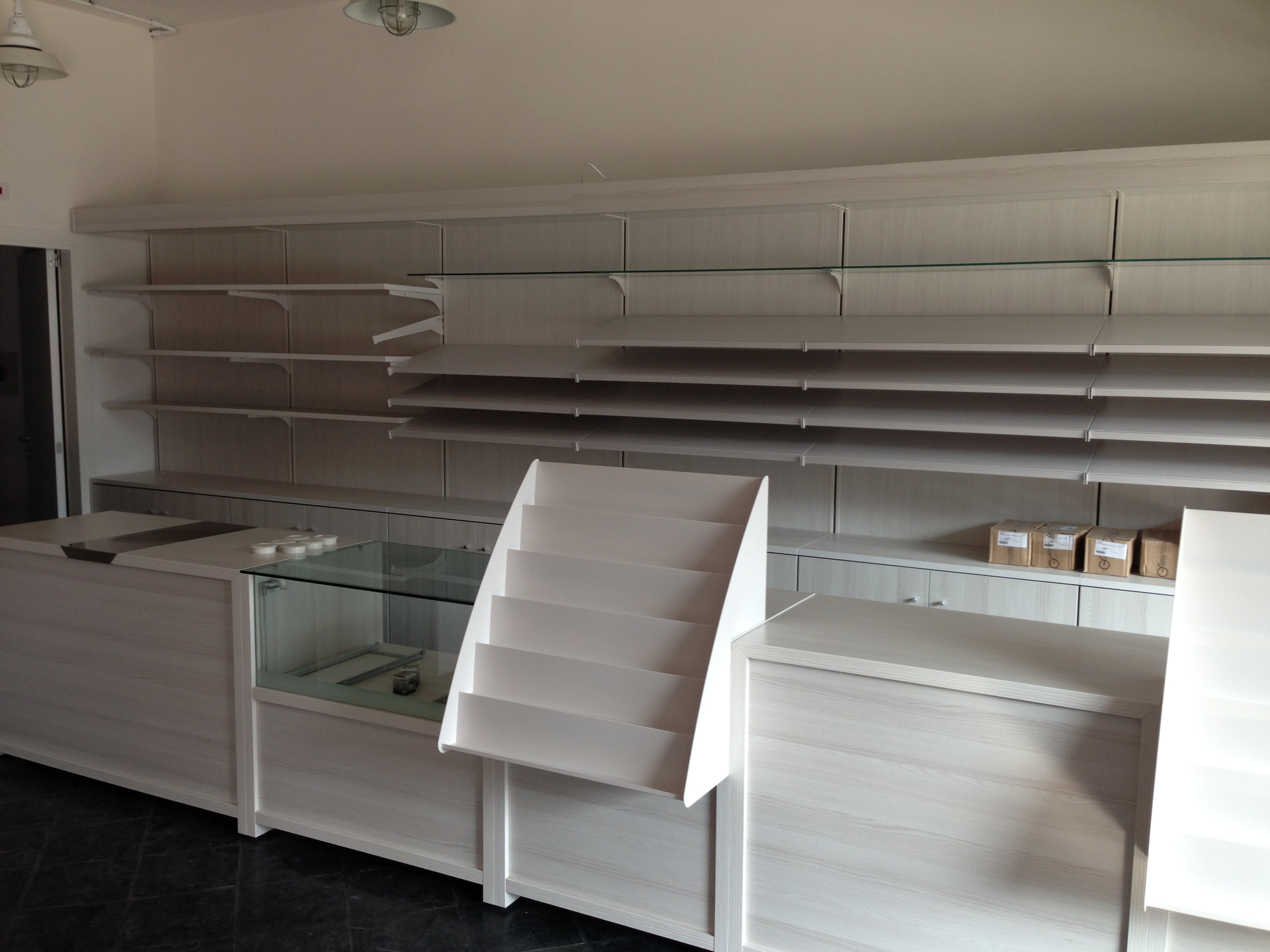 Milano arredamento awesome arredobagno milano mobili da for Arredamento usato a milano