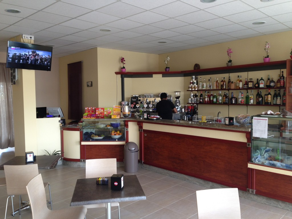 Banco bar usato in ottimo stato gab arreda rimini for Arredamento bar usato milano